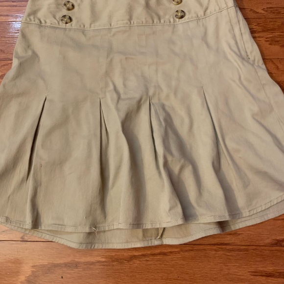 Old Navy Dresses & Skirts - Khaki skirt